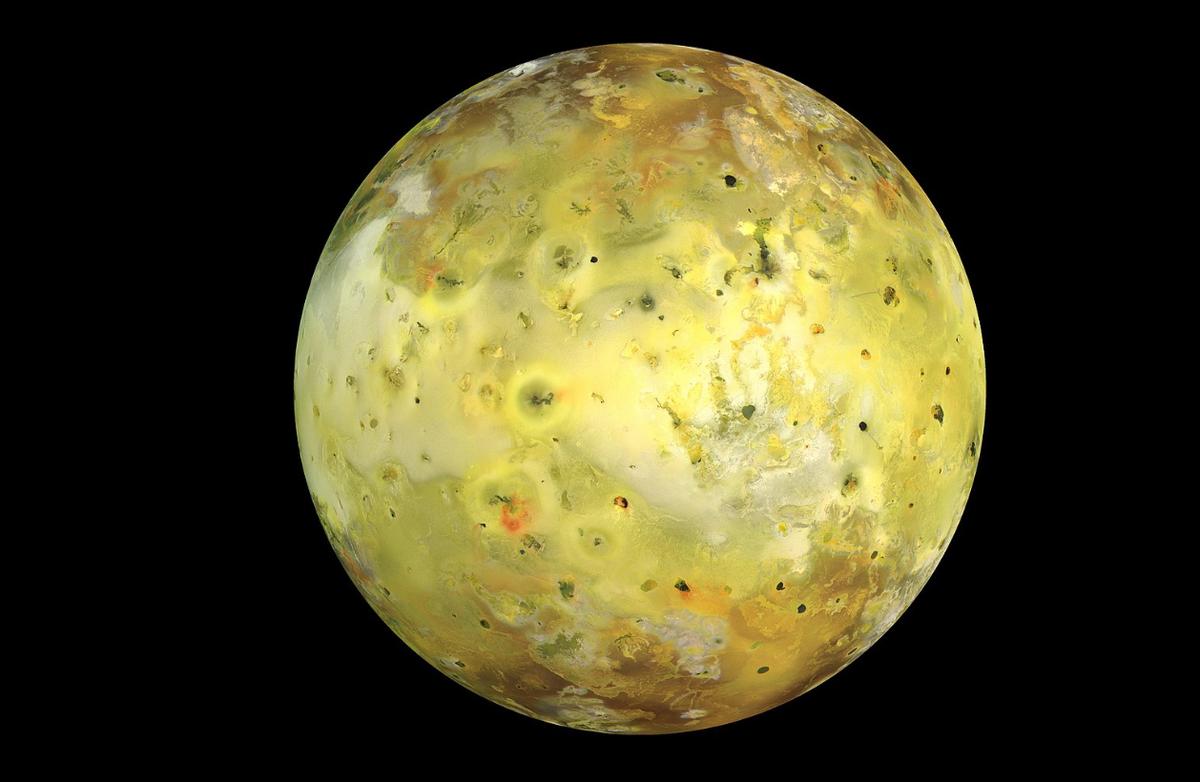 На спутнике Юпитера засекли извержение вулкана
