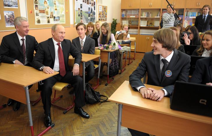 Croix: в российских школах преподают историю, но не побуждают извлекать из неё уроки