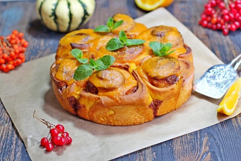 Тыквенные булочки с апельсиновой глазурью