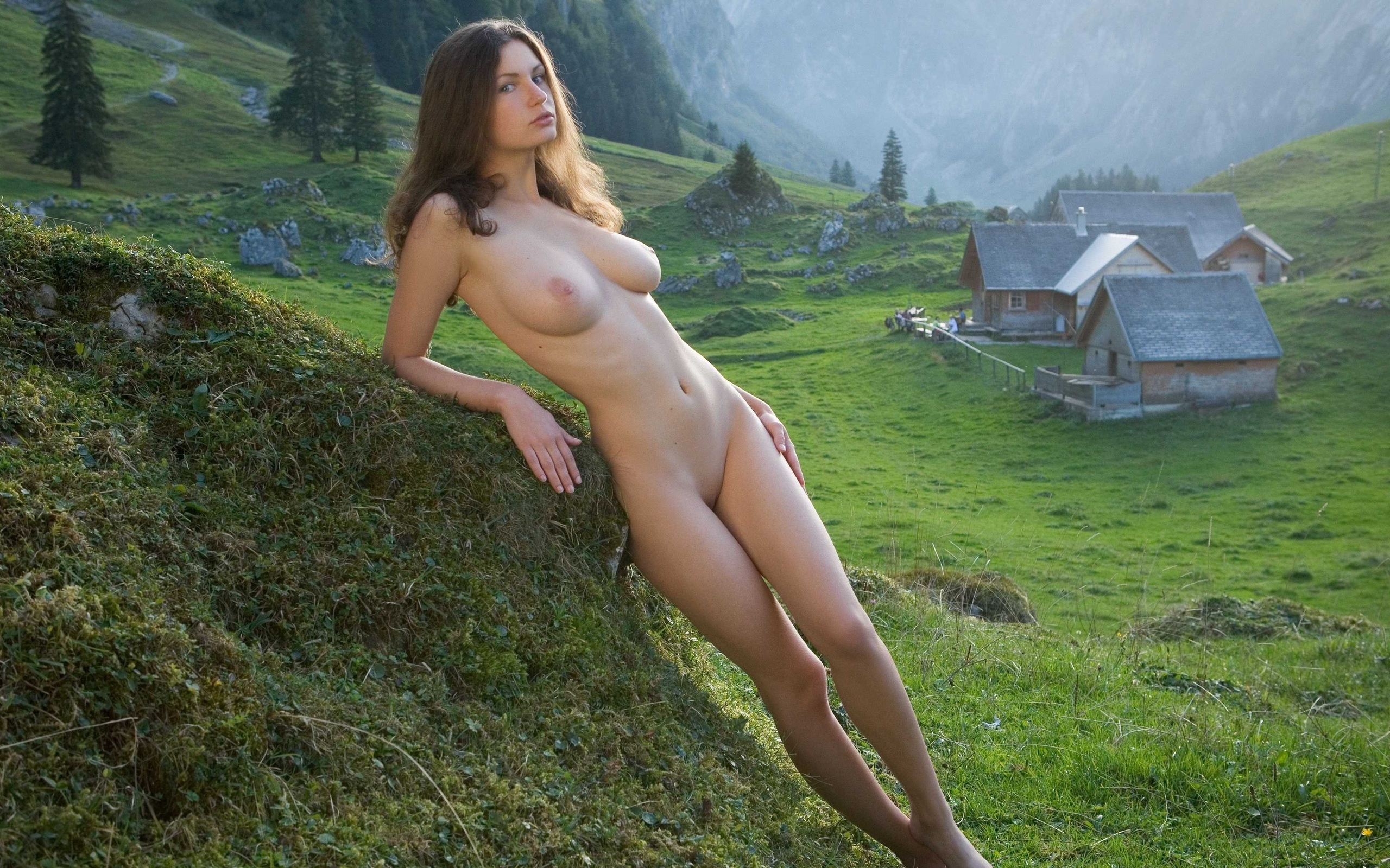Красивые Обнаженные Деревенские Девушки