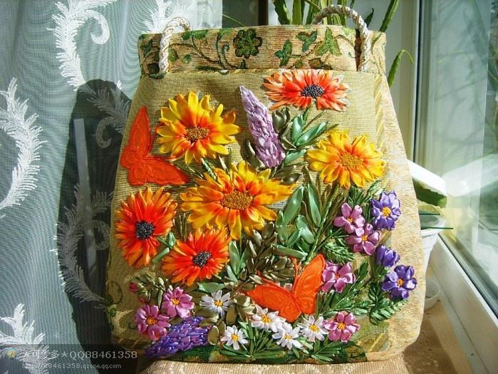 Летние сумки с вышивкой лентами