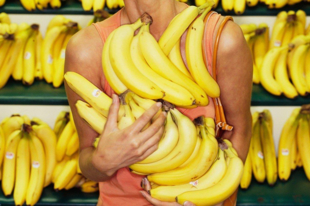 Почему у меня дома всегда есть бананы?!