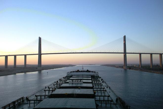 Как Суэцкий канал нарушил баланс в Средиземном море