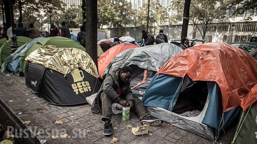 Изгнанные из Кале мигранты захватывают Париж