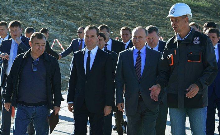 Мост в Крым — Путин стремится завершить «историческую миссию»(The Financial Times, Великобритания)