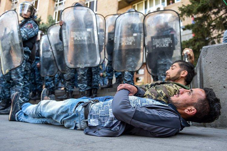 Задержанные депутаты обвиняю…
