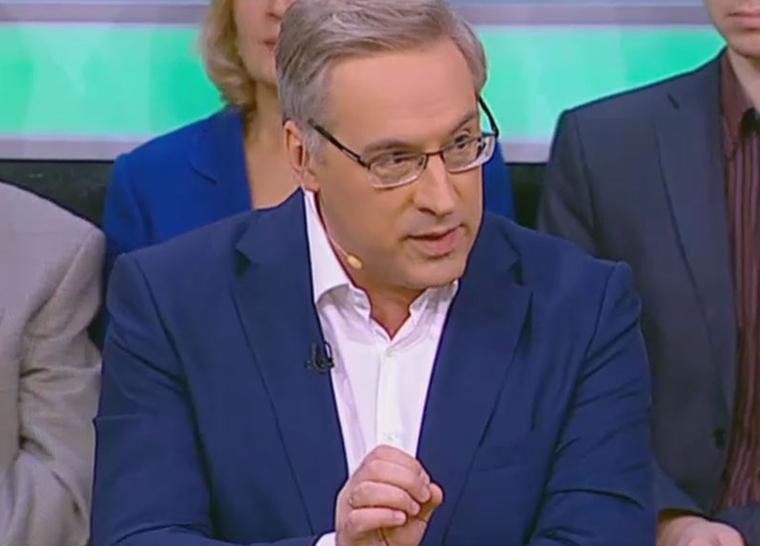 Ведущий НТВ избил украинского эксперта в прямом эфире. ВИДЕО