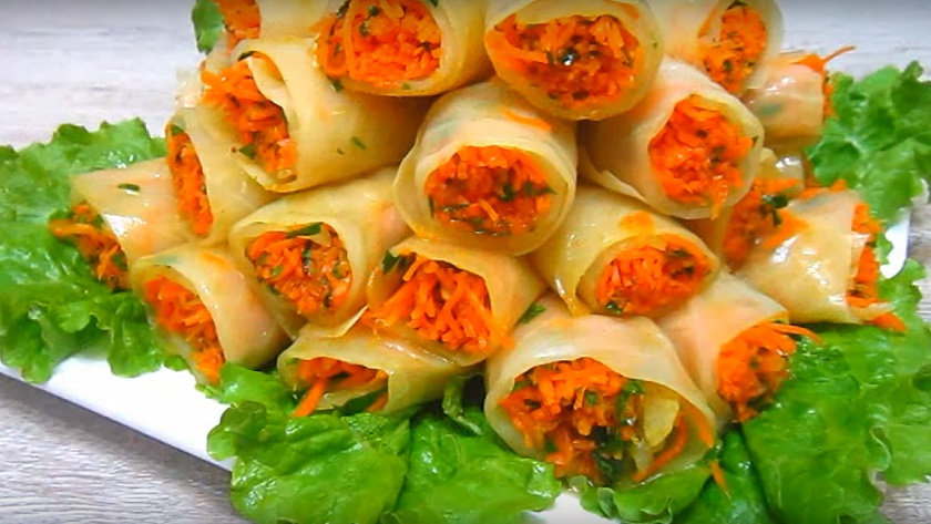 Капустные рулеты с корейской морковкой: классная закуска на скорую руку