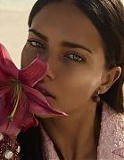 Адриана Лима (Adriana Lima) в фотосессии Мигеля Ревериего (Miguel Reveriego) для журнала Vogue Spain (май 2014)