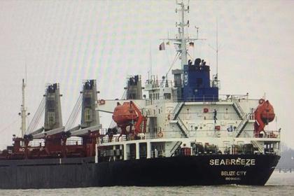 Украинский суд арестовал добывавшее песок в Крыму российское судно