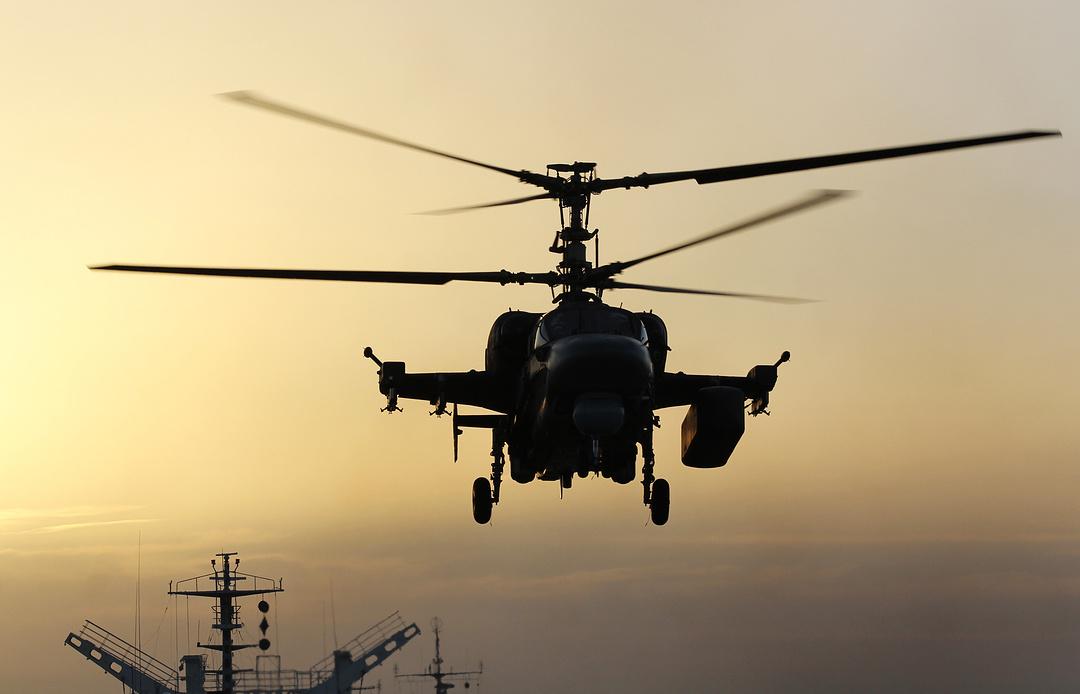 """""""Летающая батарея"""": как вертолеты Ка-52К усилят боевую мощь """"Мистралей"""""""