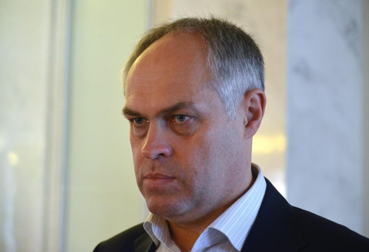 СМИ: Украинский депутат вместо заседания в Верховной раде поехал отдыхать в Крым