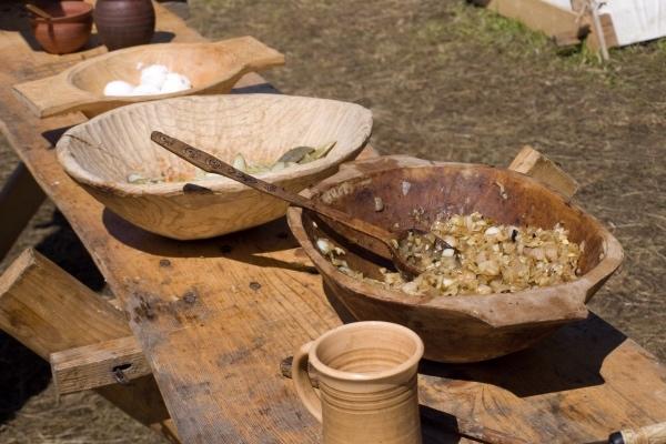 Гид по средневековой кухне: как и что ели люди сотни лет назад