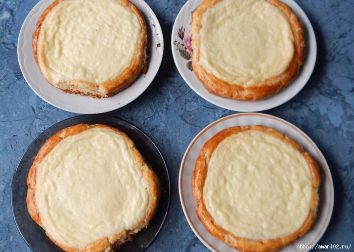 Мини пироги со сметанным кремом