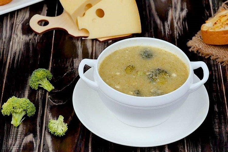 Луковый суп с брокколи