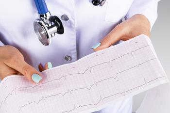 Ученые из Челябинска изобрели футболку, которая снимает кардиограмму сердца