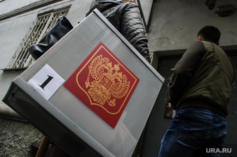 В Москве кандидат в депутаты покусал членов избиркома