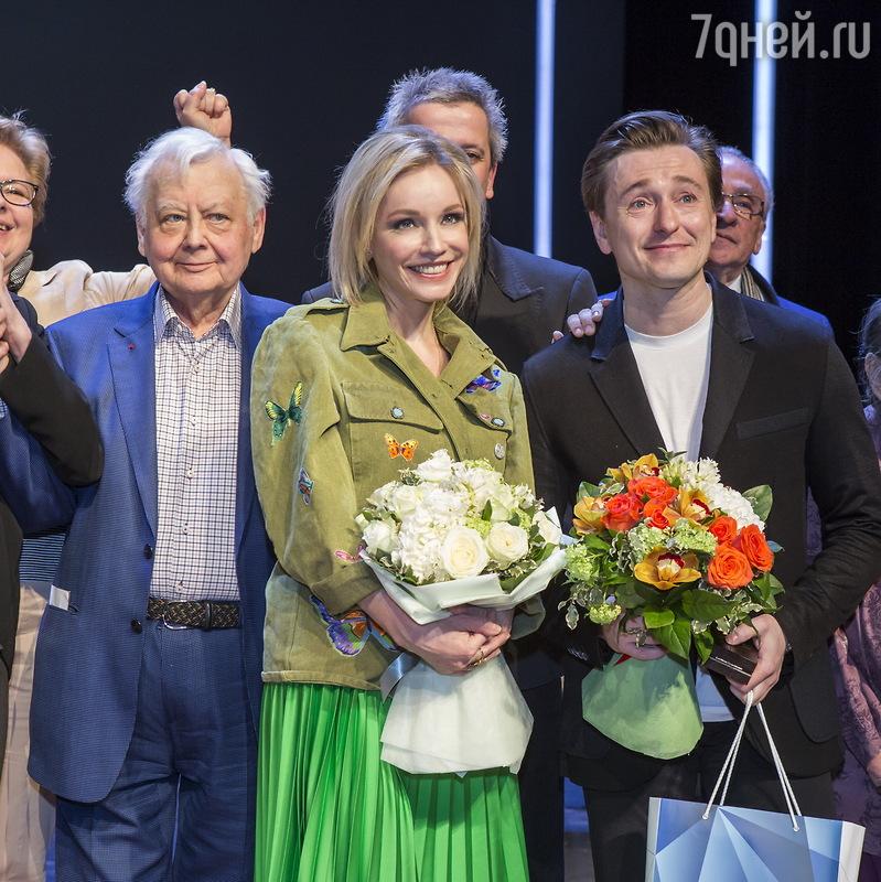 Безруков и Машков получили от Табакова подарки из золота