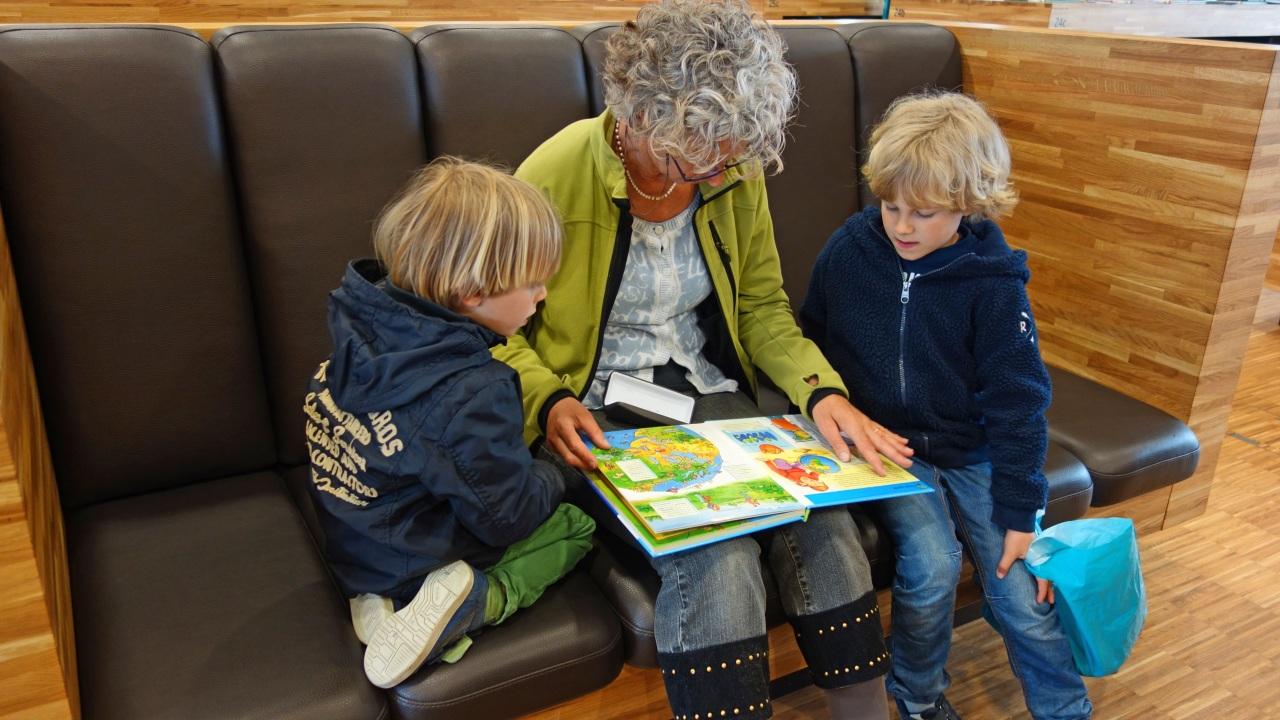 Инфантильные деточки, а что будет, когда те самые, вечно помогающие бабушки уйдут?