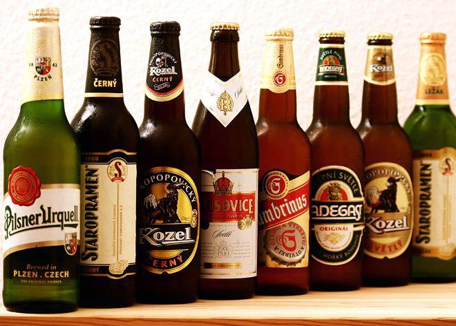 вкусное и прохладное пиво в бутылке