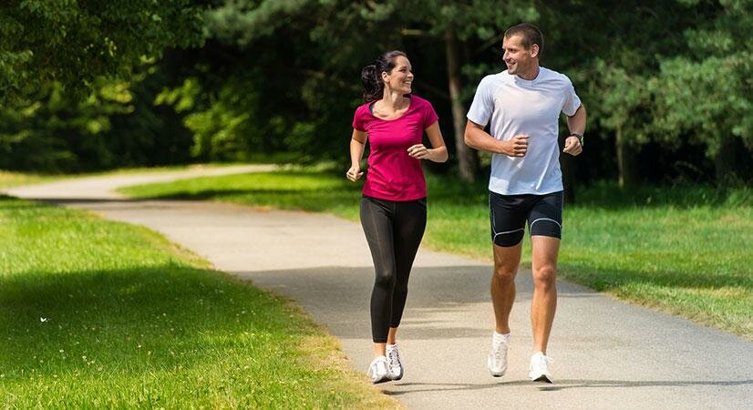 Уделите пробежке (или ходьбе) полчаса в день