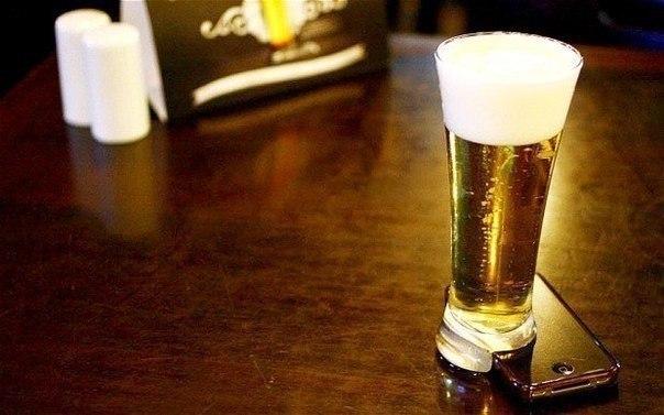 В Бразилии изобрели «оффлайн-стакан»