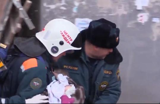 Спасённого из-под завалов в Магнитогорске ребёнка эвакуируют в Москву