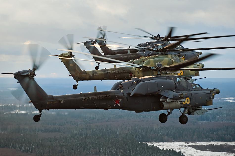 """Единственной в мире пилотажной группе на боевых вертолетах """"Беркуты"""" исполняется 25 лет"""