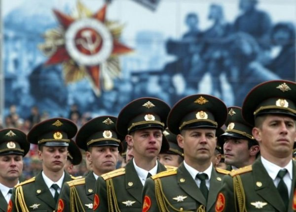 Для российских военнослужащих и сотрудников силовых ведомств может быть повышен нижний порог выслуги