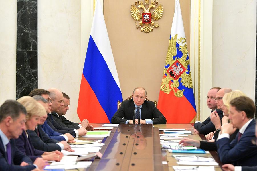Кто ошибается? Агентство S&P не верит  в российский «прорыв». И в рост благосостояния населения тоже