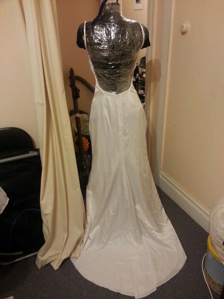 Такая изначально получилась спинка платье, своими руками, создание