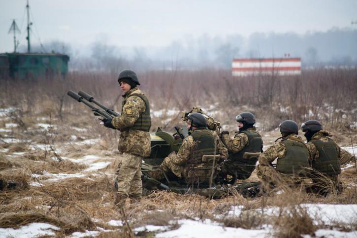 Войска пошли с передовых поз…