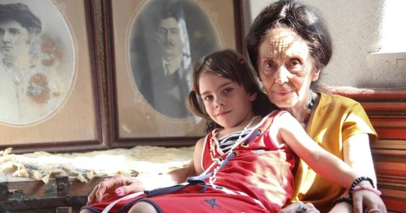 Как выглядит 14-летняя дочка самой старой мамы в мире, родившей в 66 лет