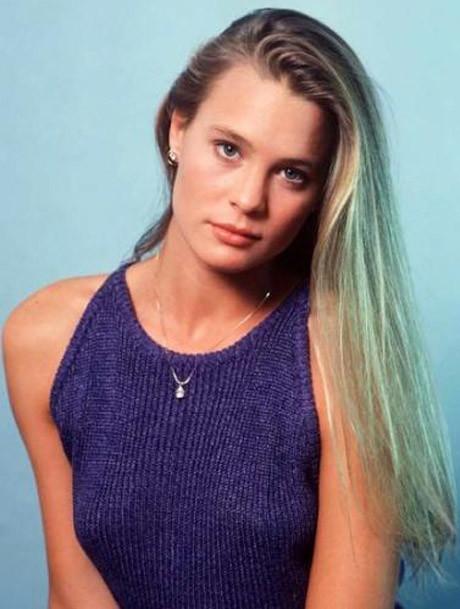 Секс-символы культовых сериалов 90-х: тогда и сейчас