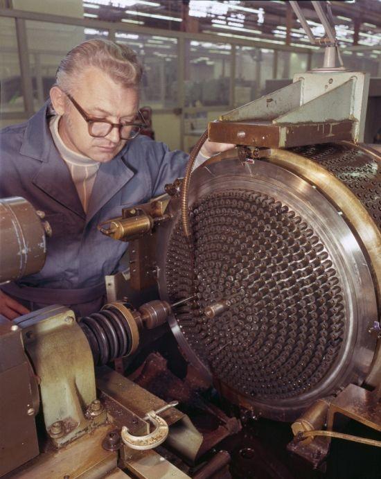 Производство инжектора основного двигателя для Спейс Шатл, 1977 год, США было, история, фото