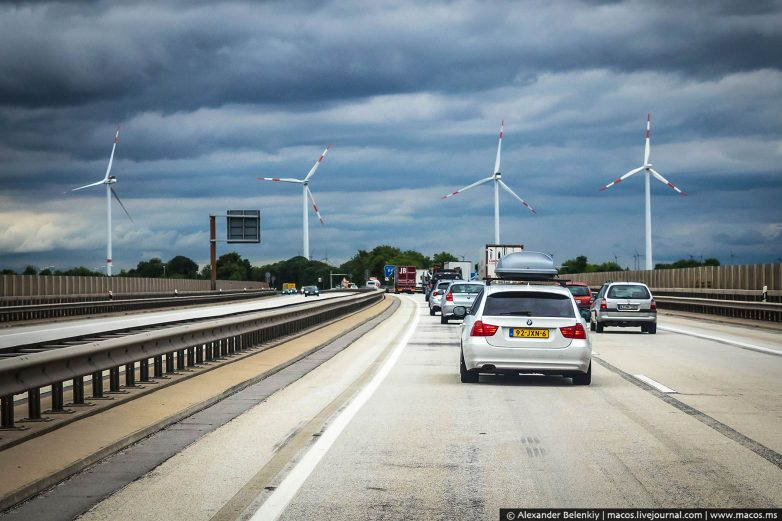 Вот так строят дороги в Германии. У нас этого не будет никогда!