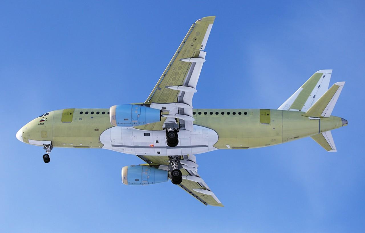 «Ведомости» рассказали о планах S7 купить 100 самолетов SSJ 100