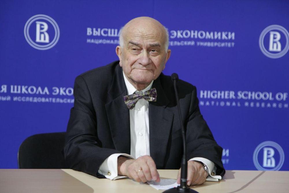 Гуру либералов Ясин обвинил россиян в вере в то, что США лучше России «будут содействовать их интересам»