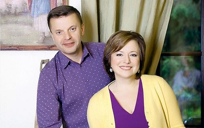Леонид Парфёнов и Елена Чека…