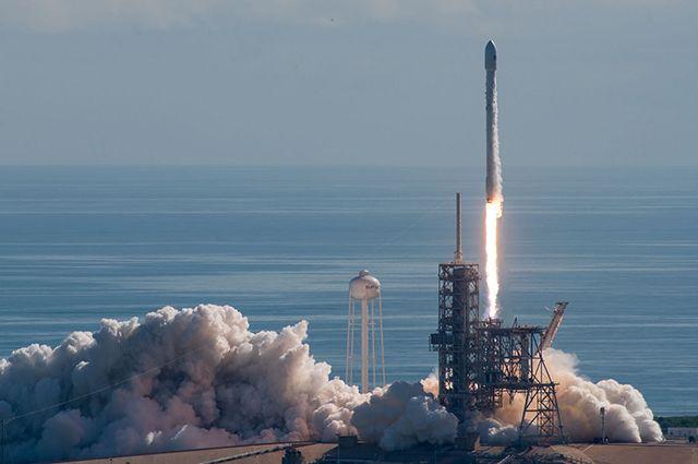 Илон Маск показал корпус сверхтяжелой ракеты BFR