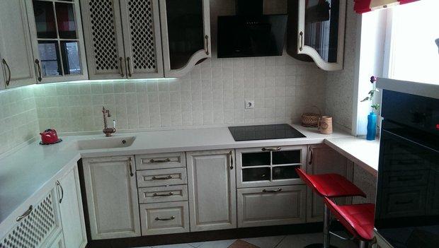 Кухня: необычный вариант расположения духовки и посудомоечной машины