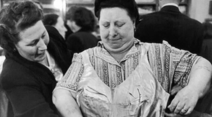 Татьяна Хохрина «Равнение – на грудь!»