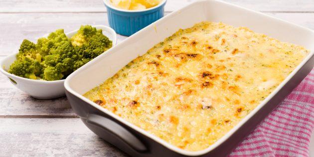 Скумбрия в духовке с картошкой, грибами и сыром: простой рецепт