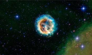 Видео с огромной космической «медузой» опубликовали астрофизики