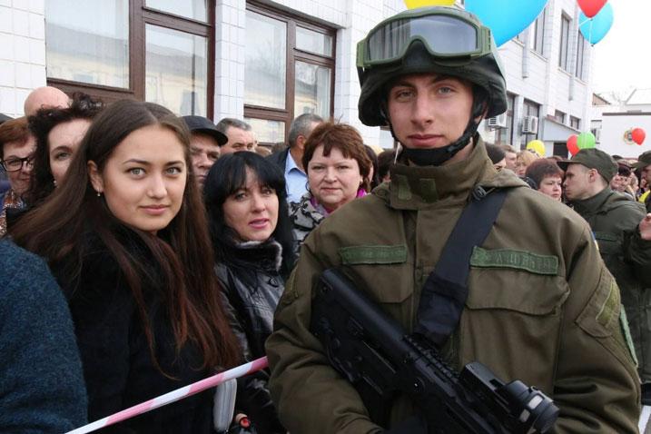 """Нацгвардия заставит украинцев принять """"победу"""" Порошенко?!"""