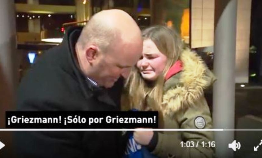 Игрок «Атлетико» Гризманн довел до слез приехавшую к нему на матч болельщицу