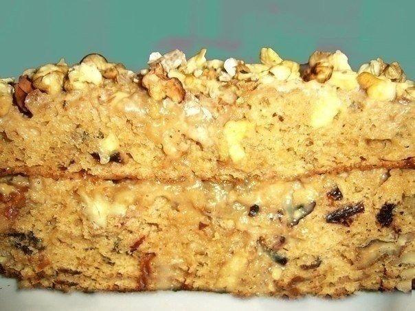 Торт с грецким орехом и черносливом и вареной сгущенкой