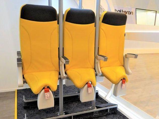 Стоячие места в самолетах позволят ввести билеты класса супер-эконом