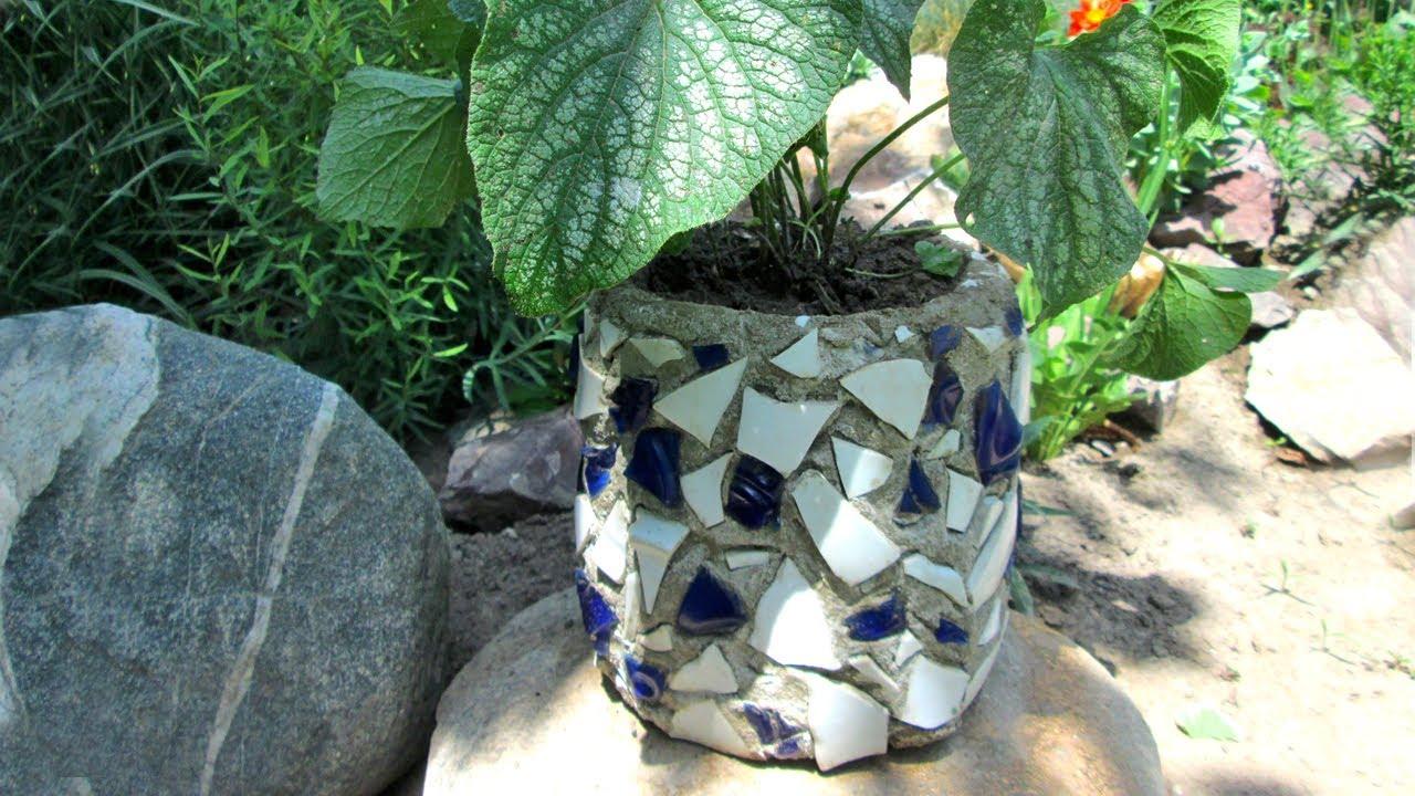 Вазон из цемента с мозаикой