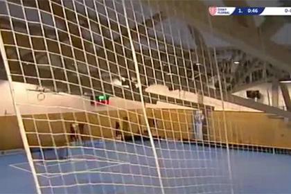В Чехии во время матча по флорболу обрушилась крыша спортзала